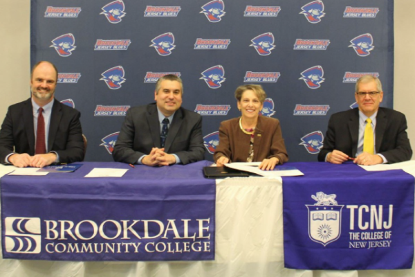 TCNJ signs articulation agreement with Brookdale Community College